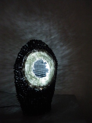 lampe-vannerie-johé-bruneau-recyclage-plasticien